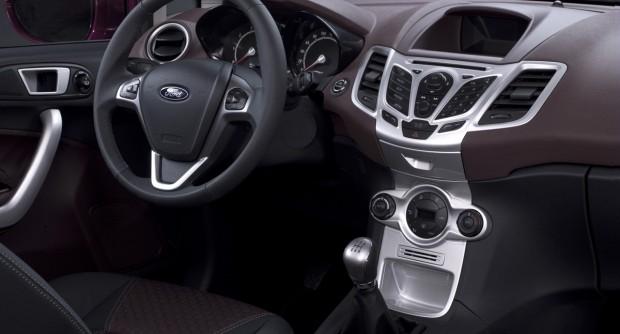 2009_Ford_Fiesta_03