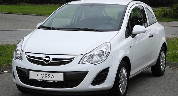 800px-Opel_Corsa_1.2_ecoFLEX_Selection_(D,_Facelift)_–_Frontansicht,_13._Juni_2011,_Heiligenhaus